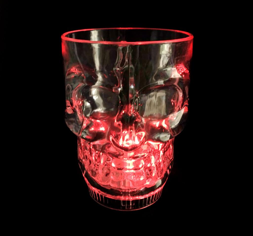 бокал череп розовое стекло