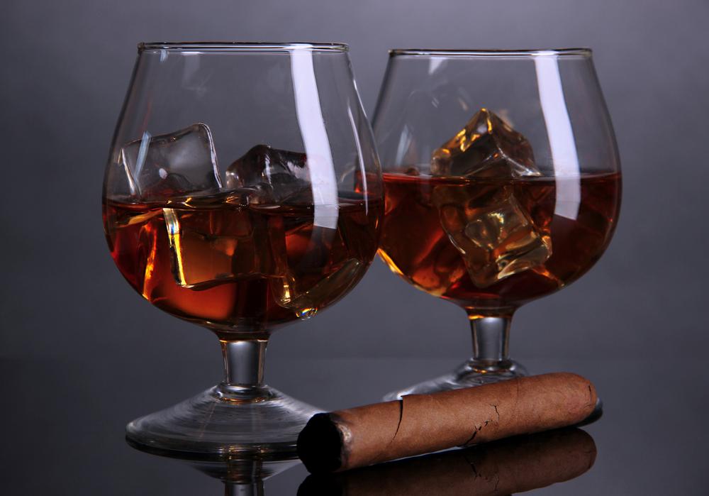 коньяк с сигарой