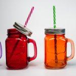 многоразовые стаканы с крышкой и трубочкой дизайн фото
