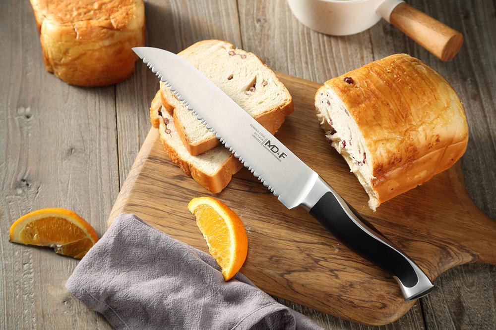 зубчатый нож для хлеба