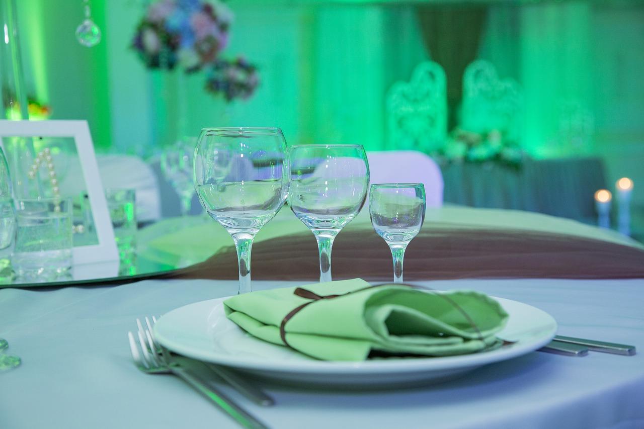 сервировка стола бокалы