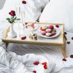 столик для завтрака в постель фото варианты
