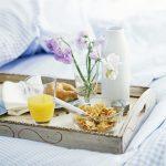 столик для завтрака в постель фото обзор