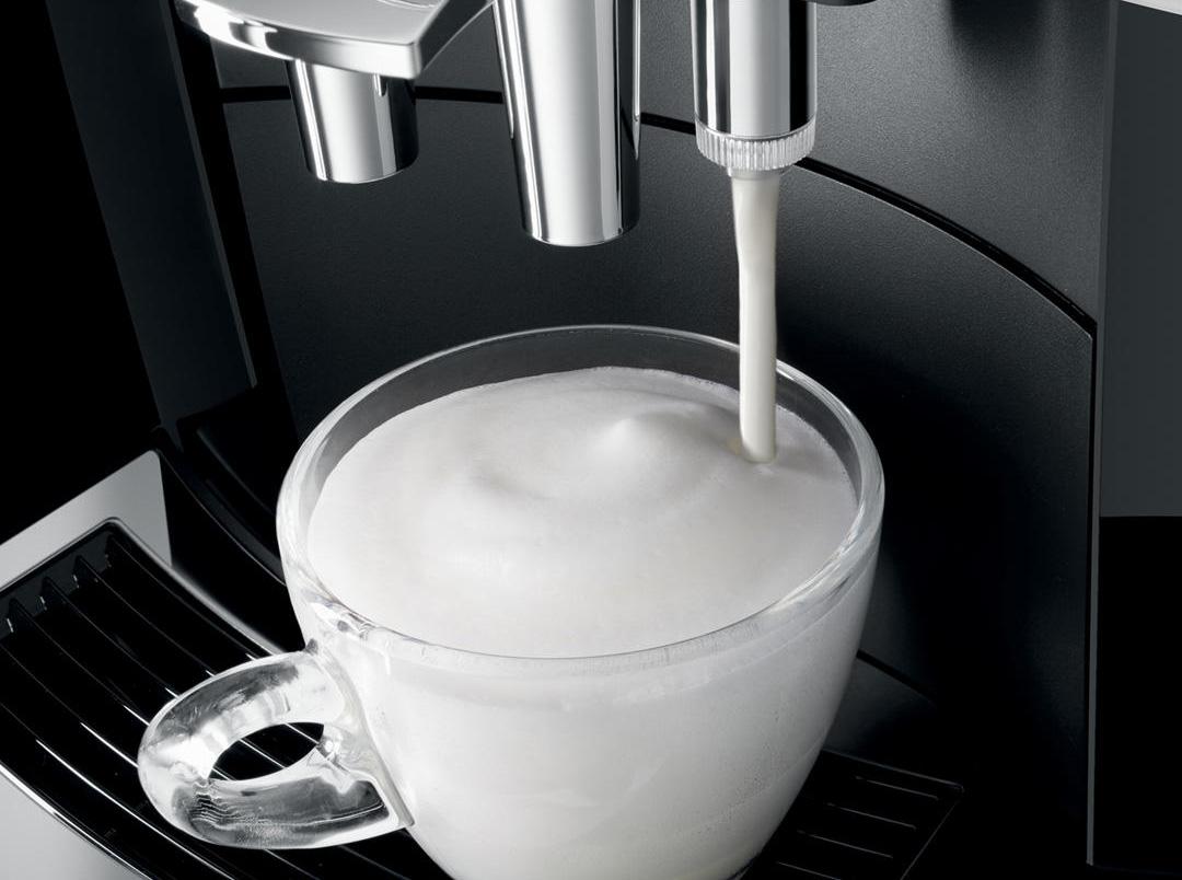кофемашина с полуавтоматическим капучинатором