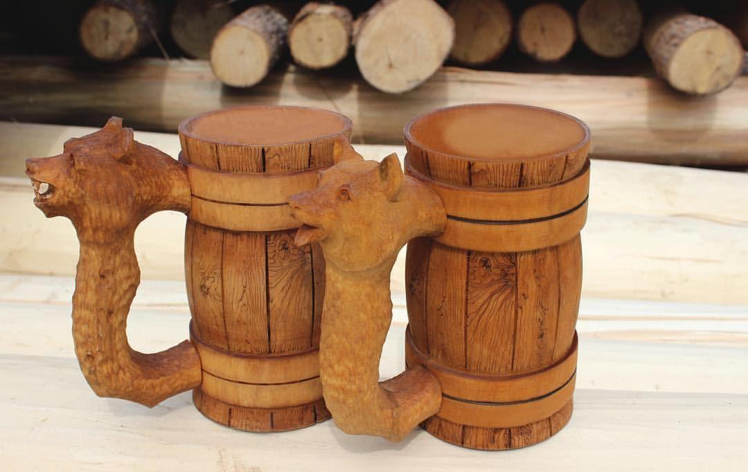 кружка пивная из дерева фото