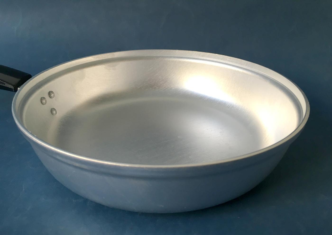 сковорода алюминиевая