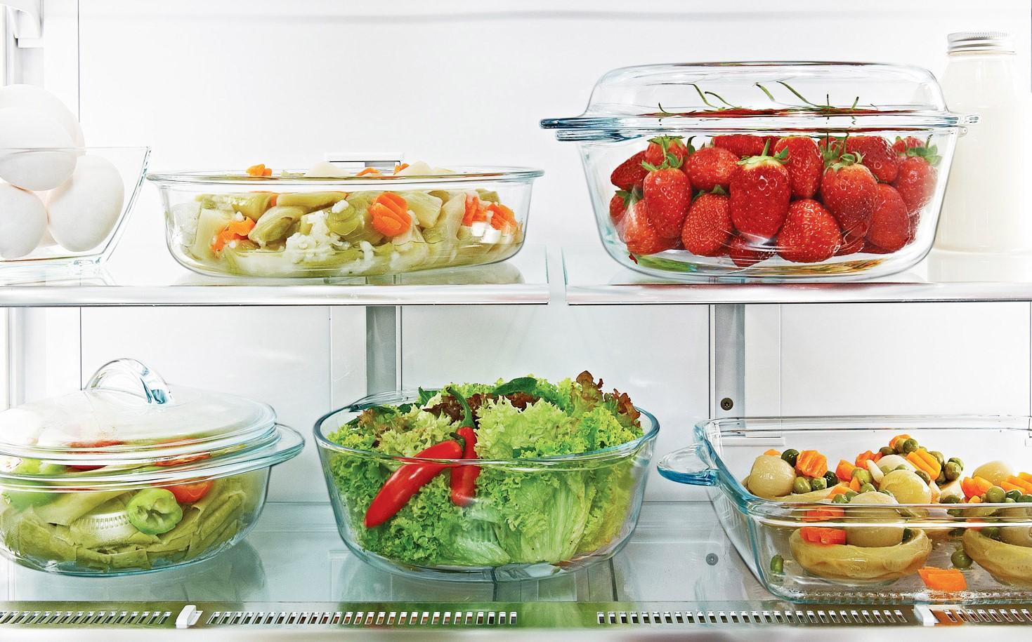 Жаропрочные кастрюли в холодильнике