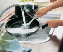 чистка сковороды