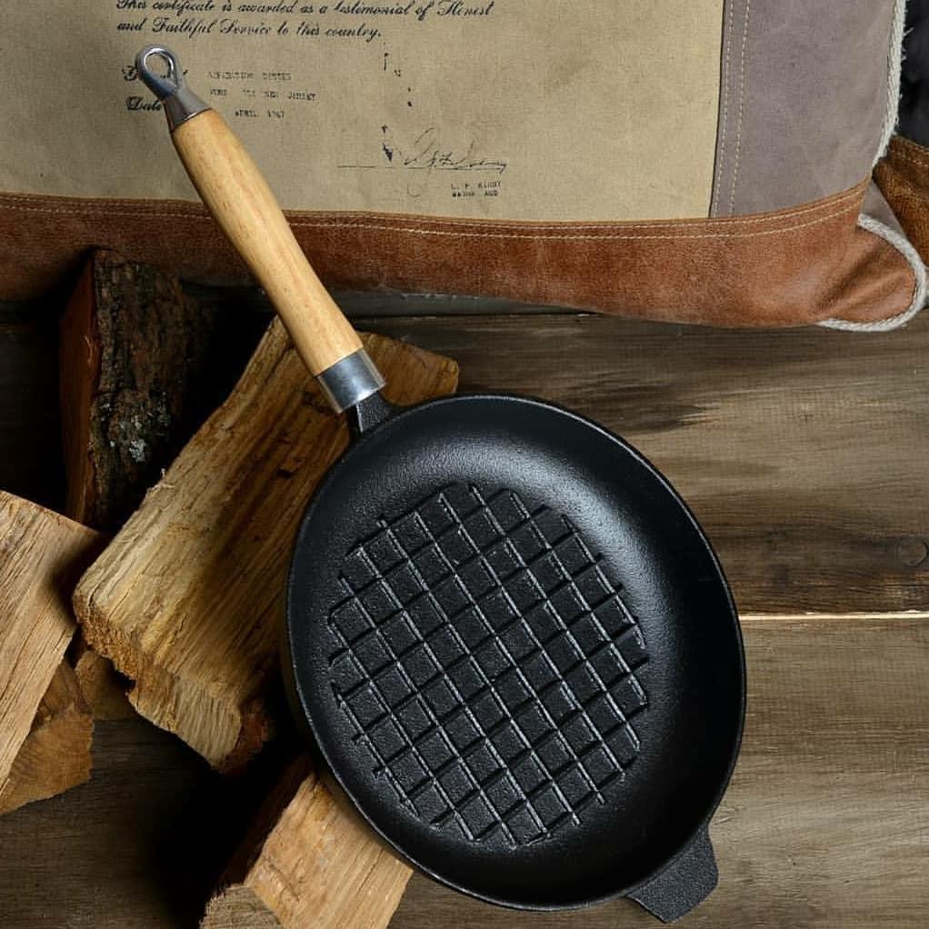 сковорода из чугуна