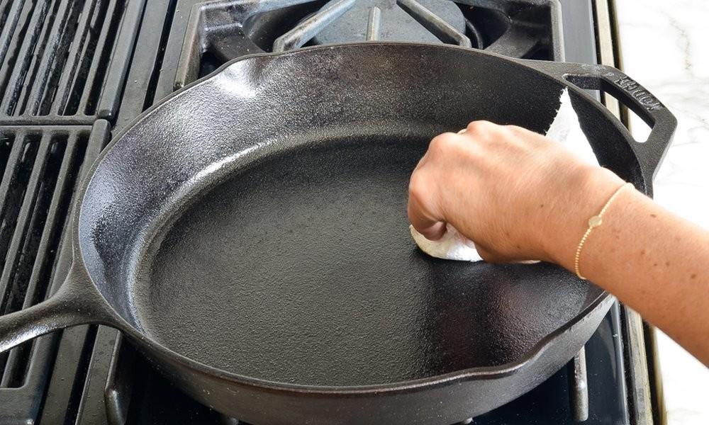 чугунная сковорода фото
