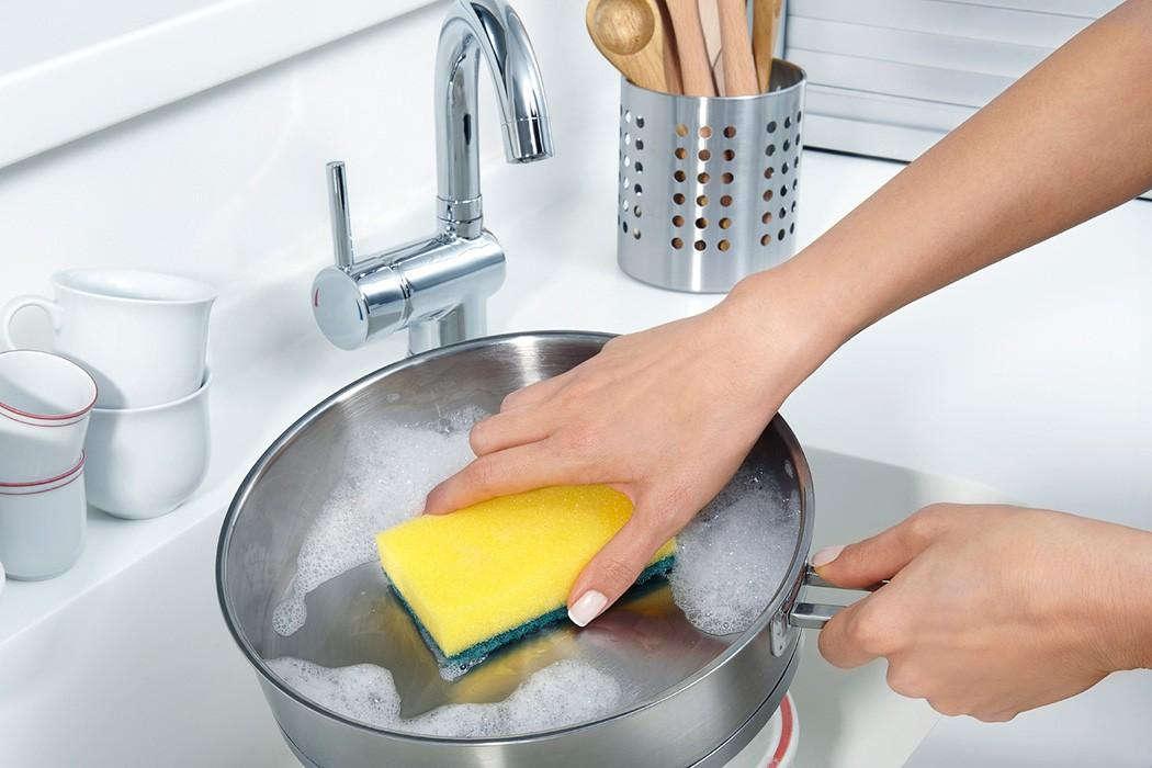 чистка от пригоревшей пищи