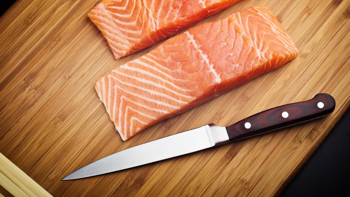 Нож для разделывания рыбы на филе