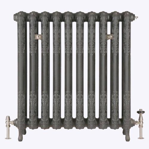 Чугунный секционный радиатор в стиле ретро