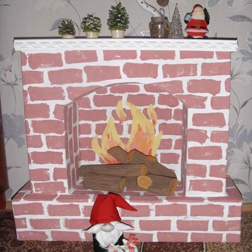 <p><b>Одноразовые</b><p> Их делают для украшения дома к празднику (Новому году, Рождеству, юбилею и пр.), используя недорогие подручные материалы: картонные коробки, пенопласт. После завершения торжества конструкцию убирают.
