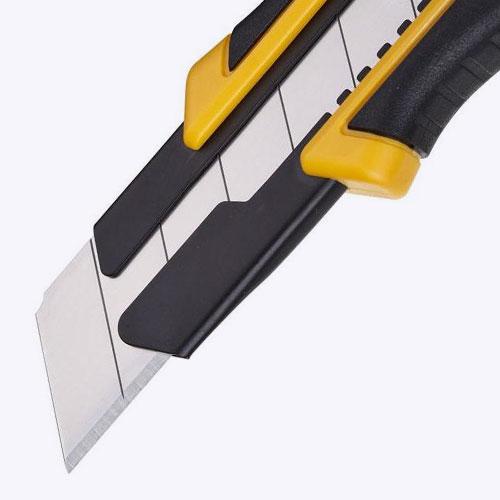 Канцелярский нож с широким лезвием