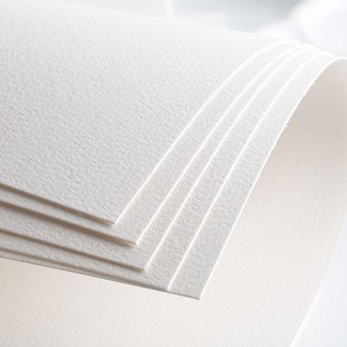 Плотная белая бумага