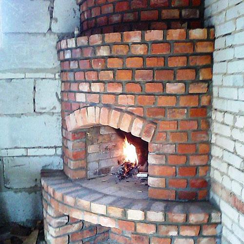 Самодельный полукруглый печь камин из кирпича