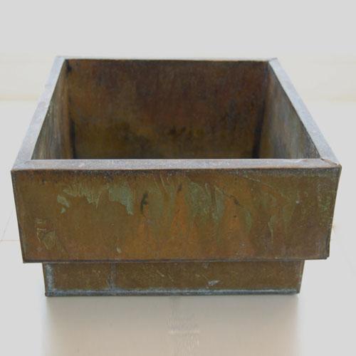 Металлический ящик для основания