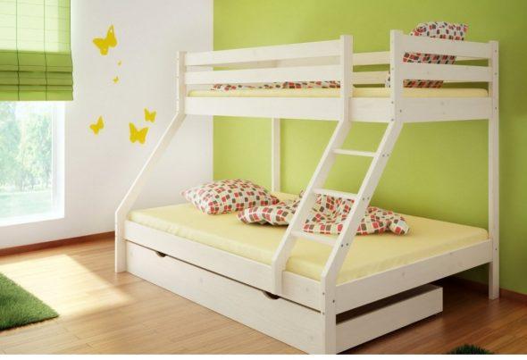белая детская кровать на двоих детей
