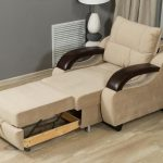 Кресло-кровать с подлокотниками бежевого цвета