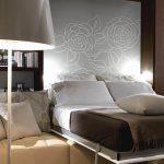 Откидная встроенная кровать-диван