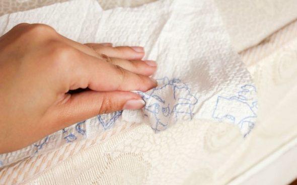чистка дивана от жирных пятен