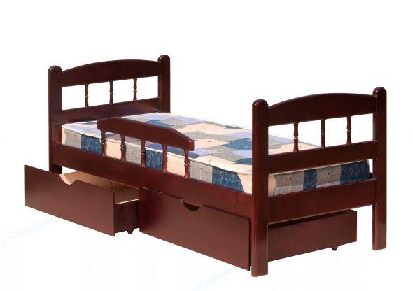 коричневая кровать с бортиками