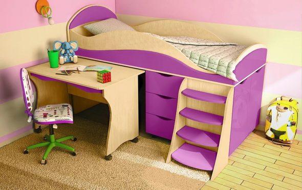 кровать с бортиками и столом