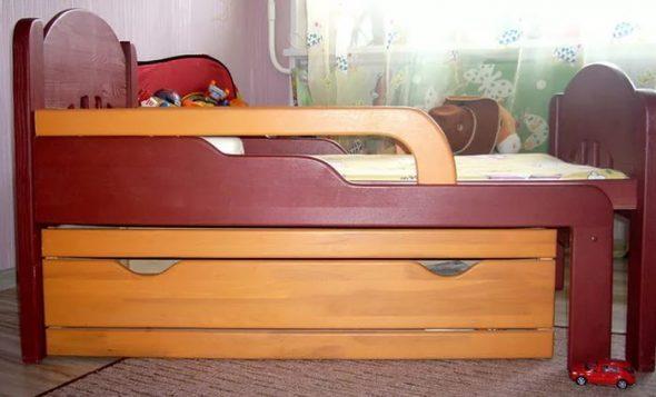 Детская раздвижная кровать вид сбоку