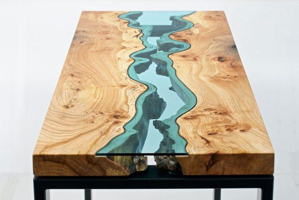 дизайнерский стол из дерева и оргстекла