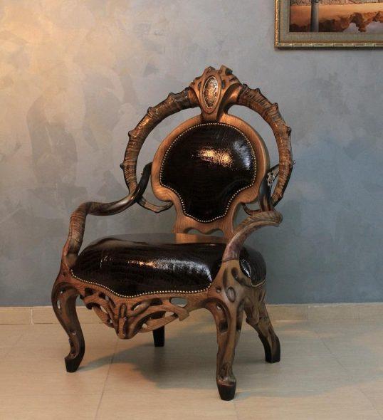 дизайнерский стул из дерева