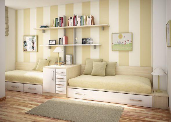 два дивана вдоль стены