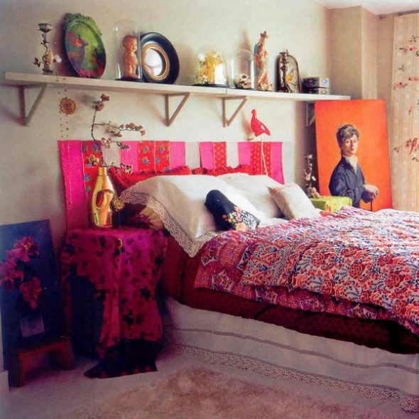 Идеи полок над кроватью