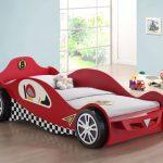 гоночная машинка кроватка красного цвета