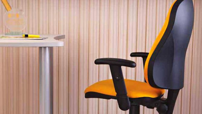 Обновить подлокотники кресла своими руками