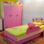 розовая кровать для дочки