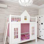 домик кровать в белых тонах