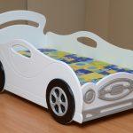 белая машинка кроватка для девочки