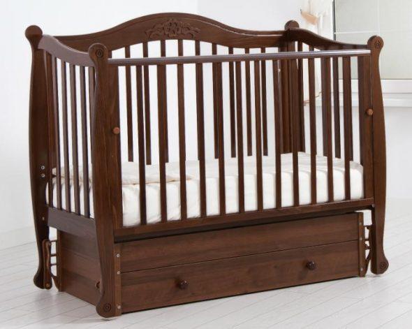 кроватка маятник для ребенка