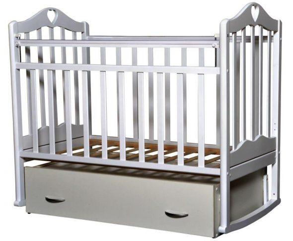 кроватка маятник для ребенка белая