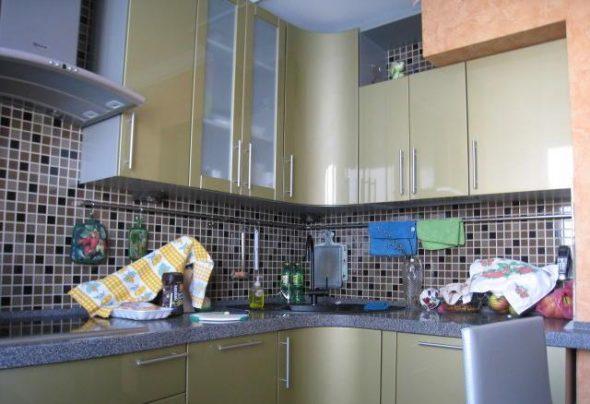 кухонные шкафы на разном уровне