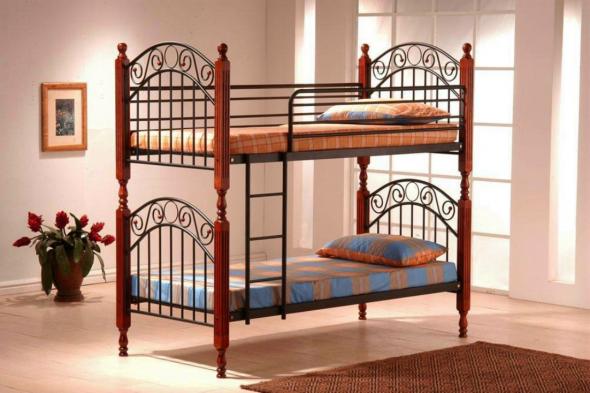 металлическая кровать в детскую