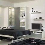 кровать-трансформер в гостиной