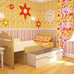 Раздвижная детская кровать в желтом интерьере