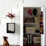 шкаф для одежды и обуви под лестницей