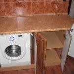 спрятанная стиральная машина на кухне