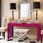 лиловый гримерный столик
