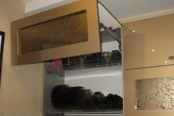сушилка для посуды в навесном шкафу