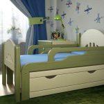 Удобная раздвижная кровать для ребенка