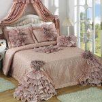 Уютное покрывало для кровати